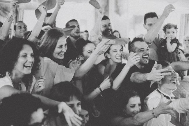 fotografo-matrimonio-giacinto-sirbo-chieti-sposa-invitati